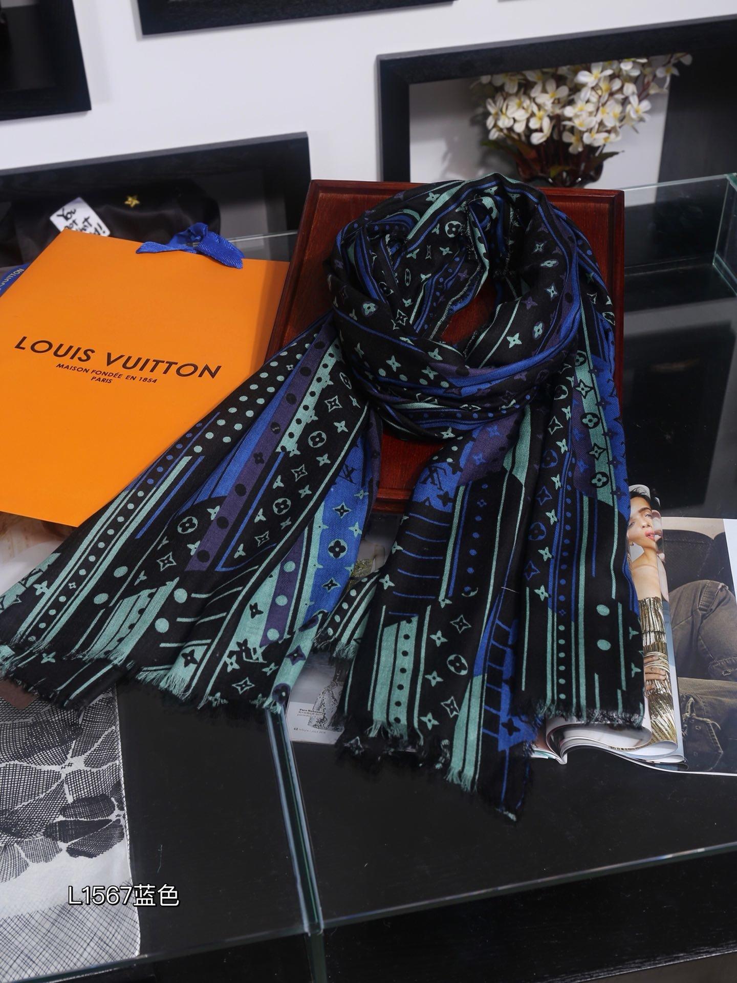 专柜同款品质美到爆围巾披肩两用款因为