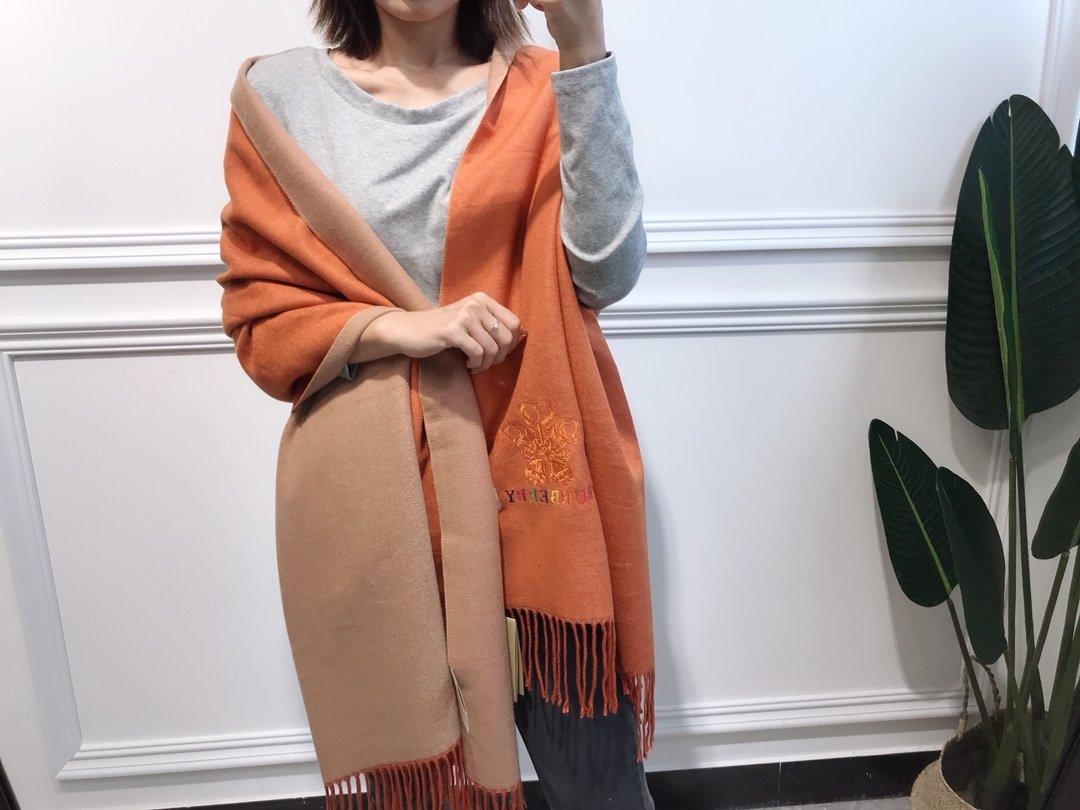 巴宝莉双面羊绒彩色刺绣强货2018最