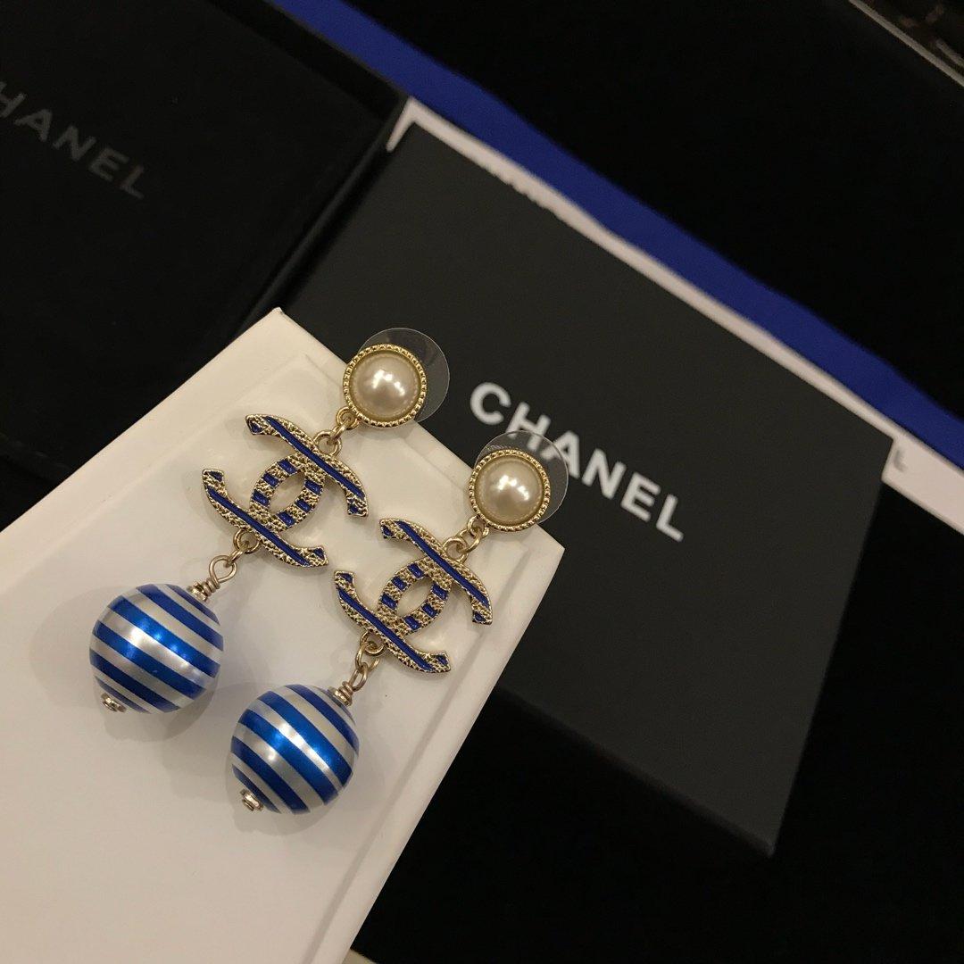 Chanel香奈儿新款耳吊黄铜s92
