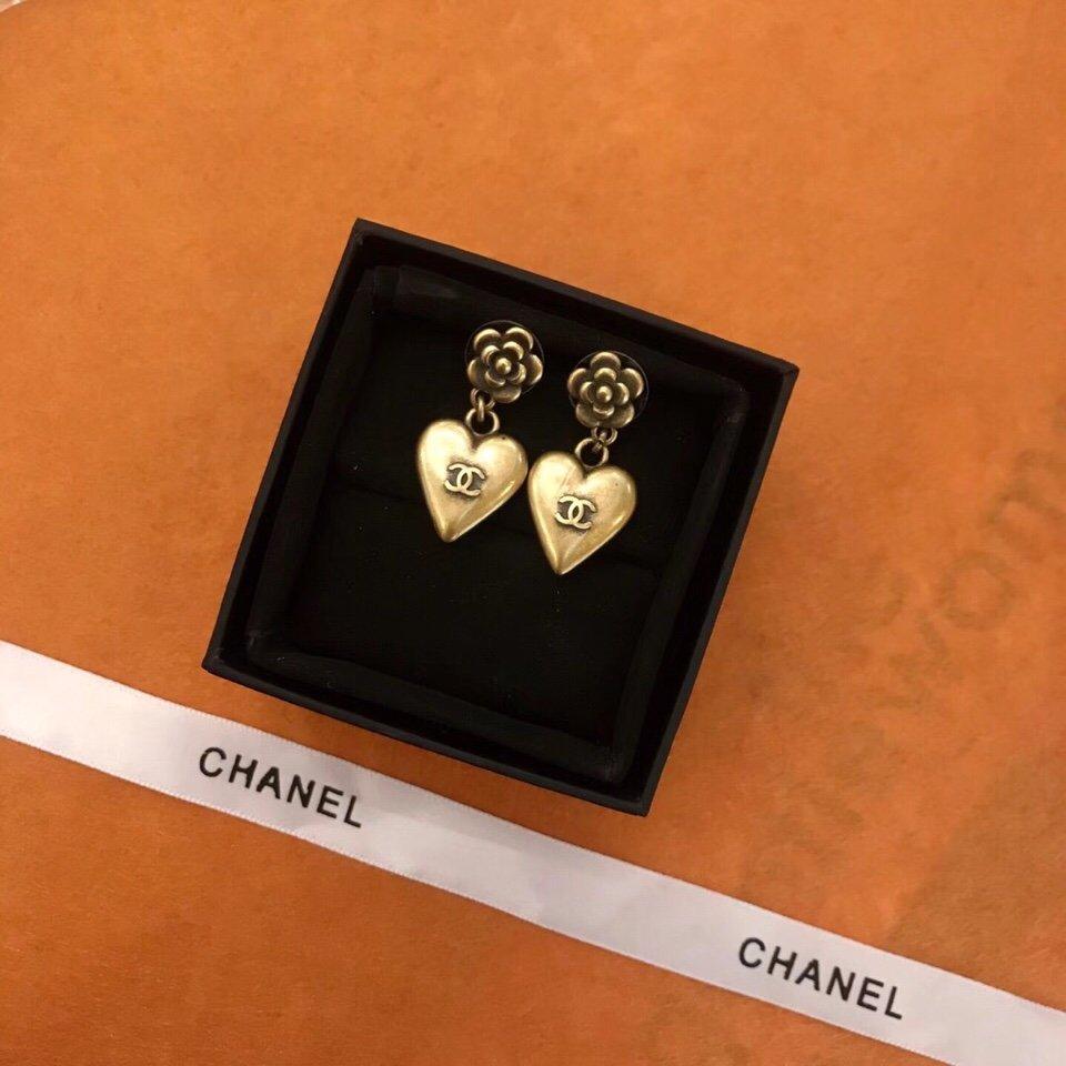 Chanel专柜2021新款花朵爱心