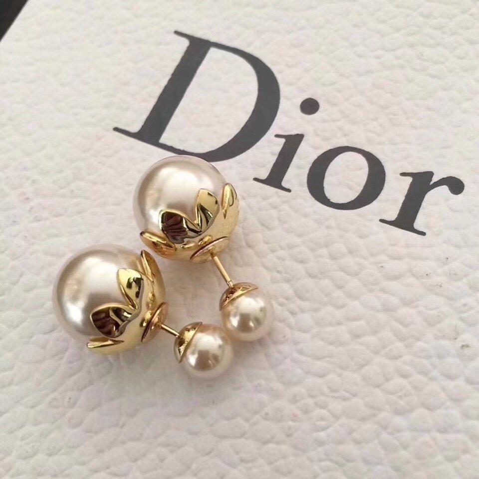 Dior太阳花珍珠耳钉进出专柜无压力