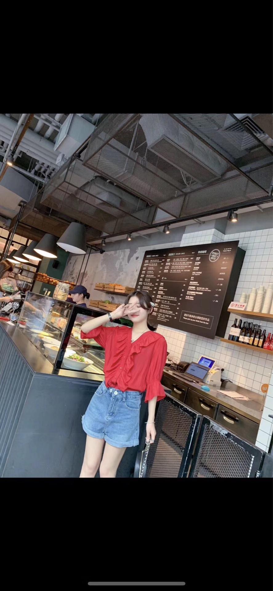 2019春夏季新款韩版chic纯色百搭木耳边宽松V领七分袖套头衬衫女
