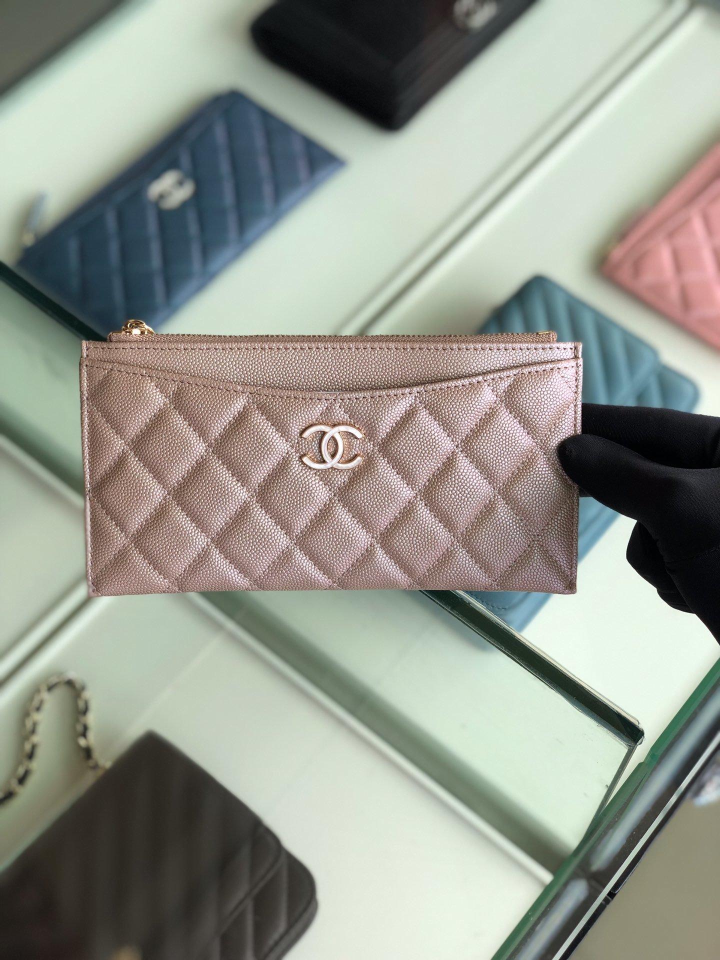 Chanel 2019最新款幻彩颗粒压花牛皮革零钱包卡包钥匙包(图1)
