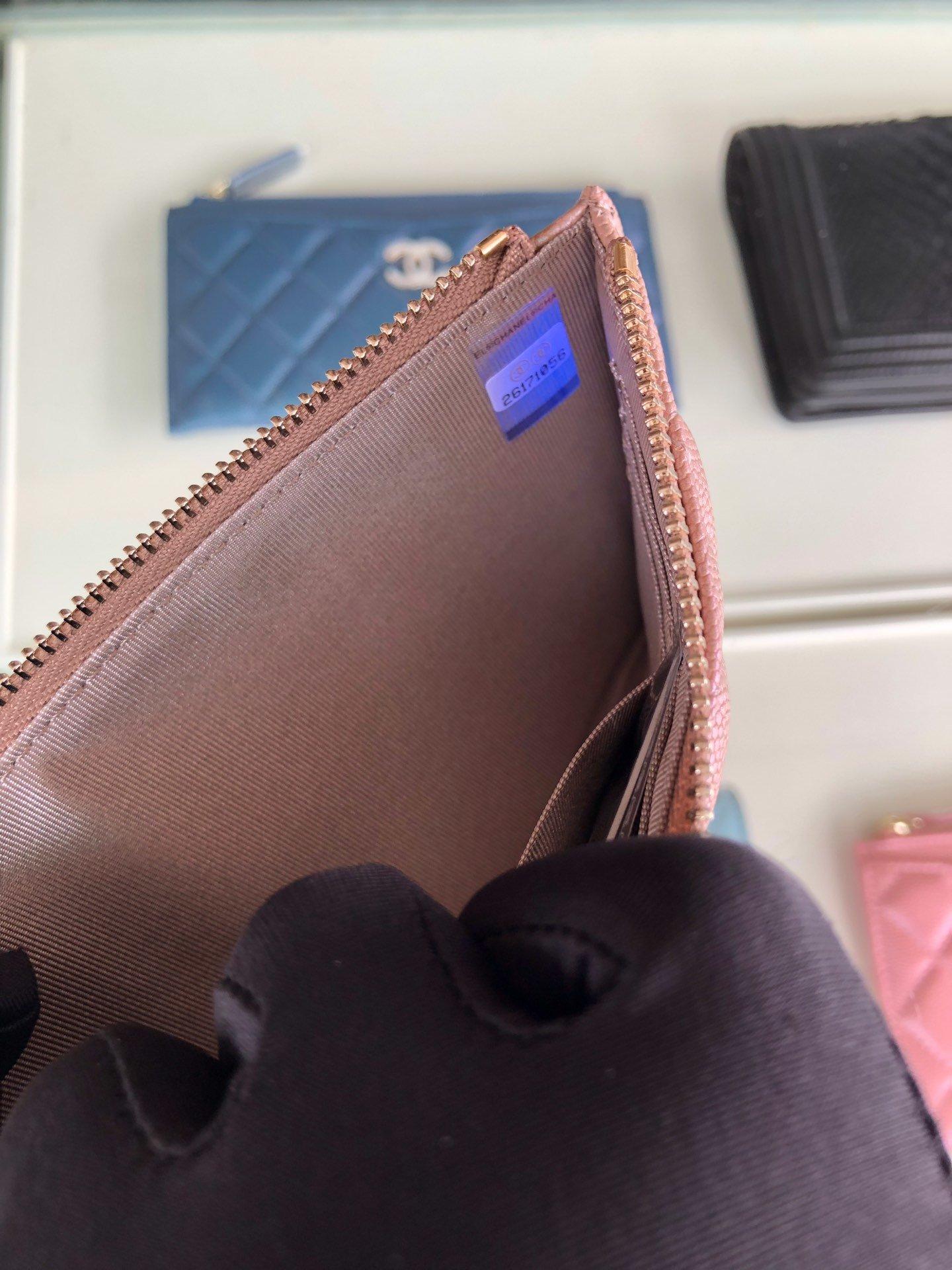 Chanel 2019最新款幻彩颗粒压花牛皮革零钱包卡包钥匙包(图7)
