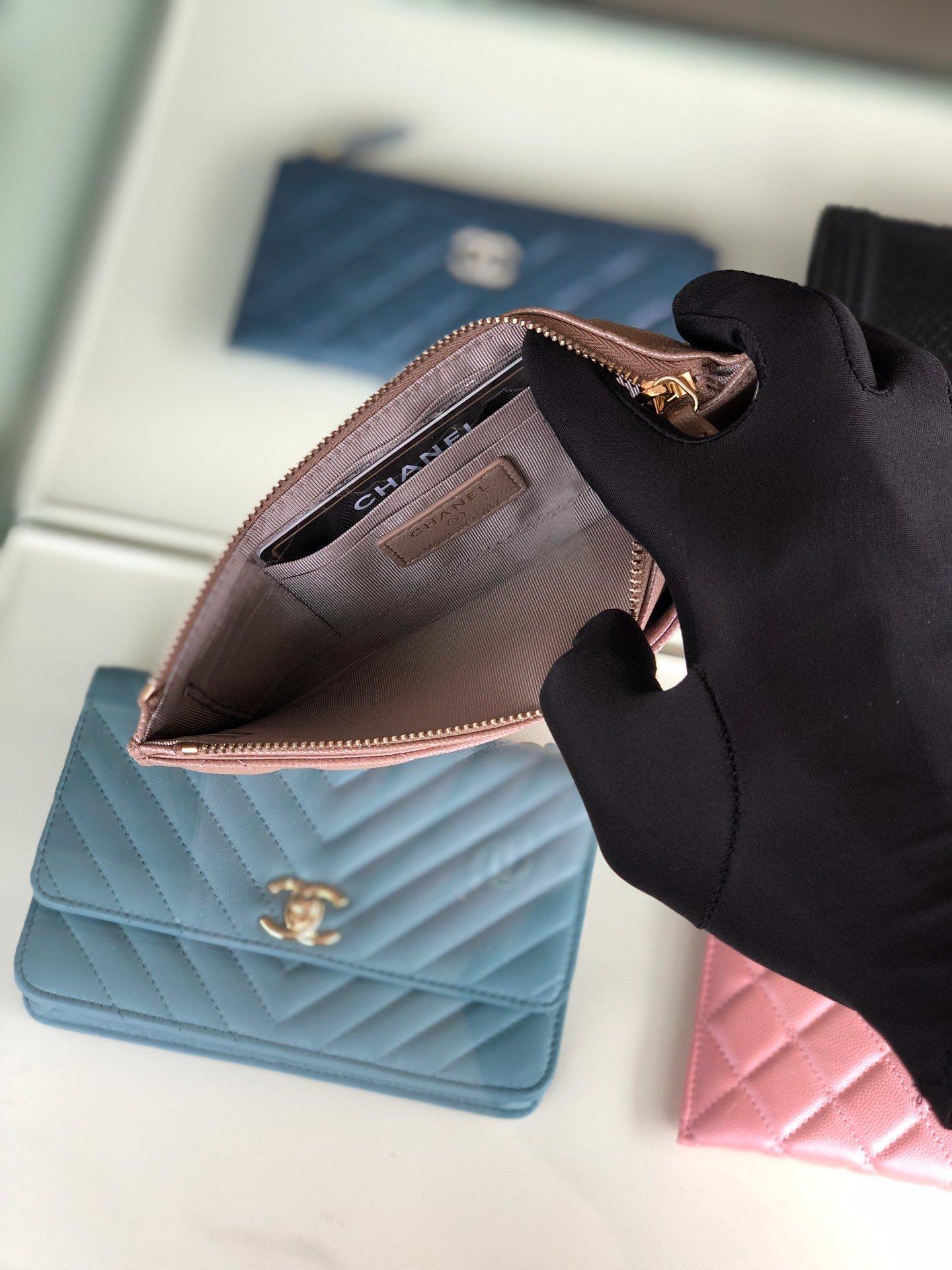 Chanel 2019最新款幻彩颗粒压花牛皮革零钱包卡包钥匙包(图6)