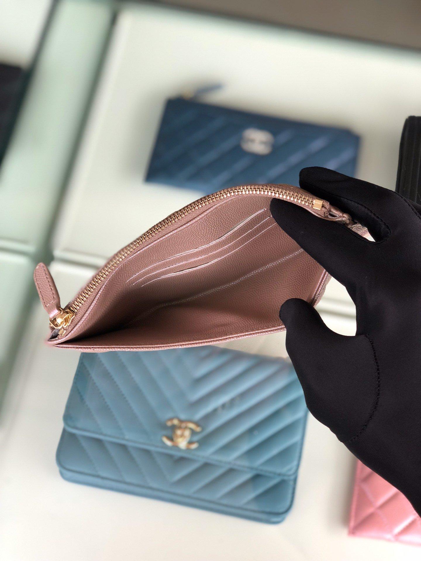 Chanel 2019最新款幻彩颗粒压花牛皮革零钱包卡包钥匙包(图5)