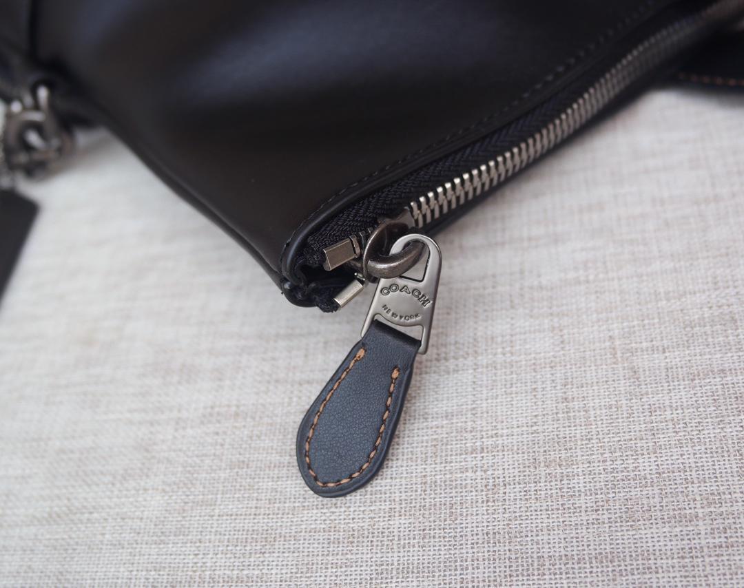COACH 50712 時尚休閒包 可折疊 可放筆電 素面真皮 簡約氣質 單肩斜挎包