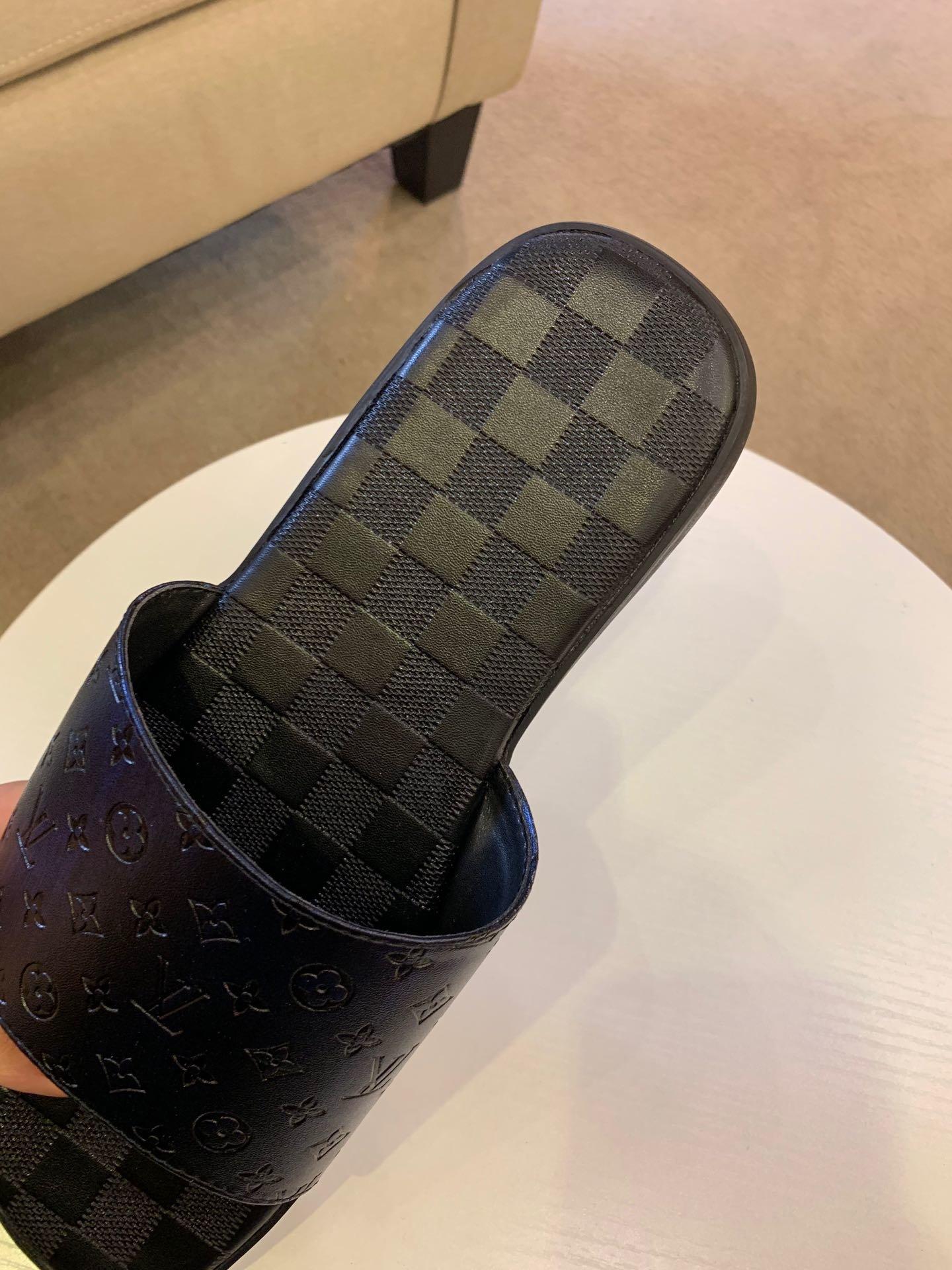 爆款LV男士拖鞋专柜同步发售码数38