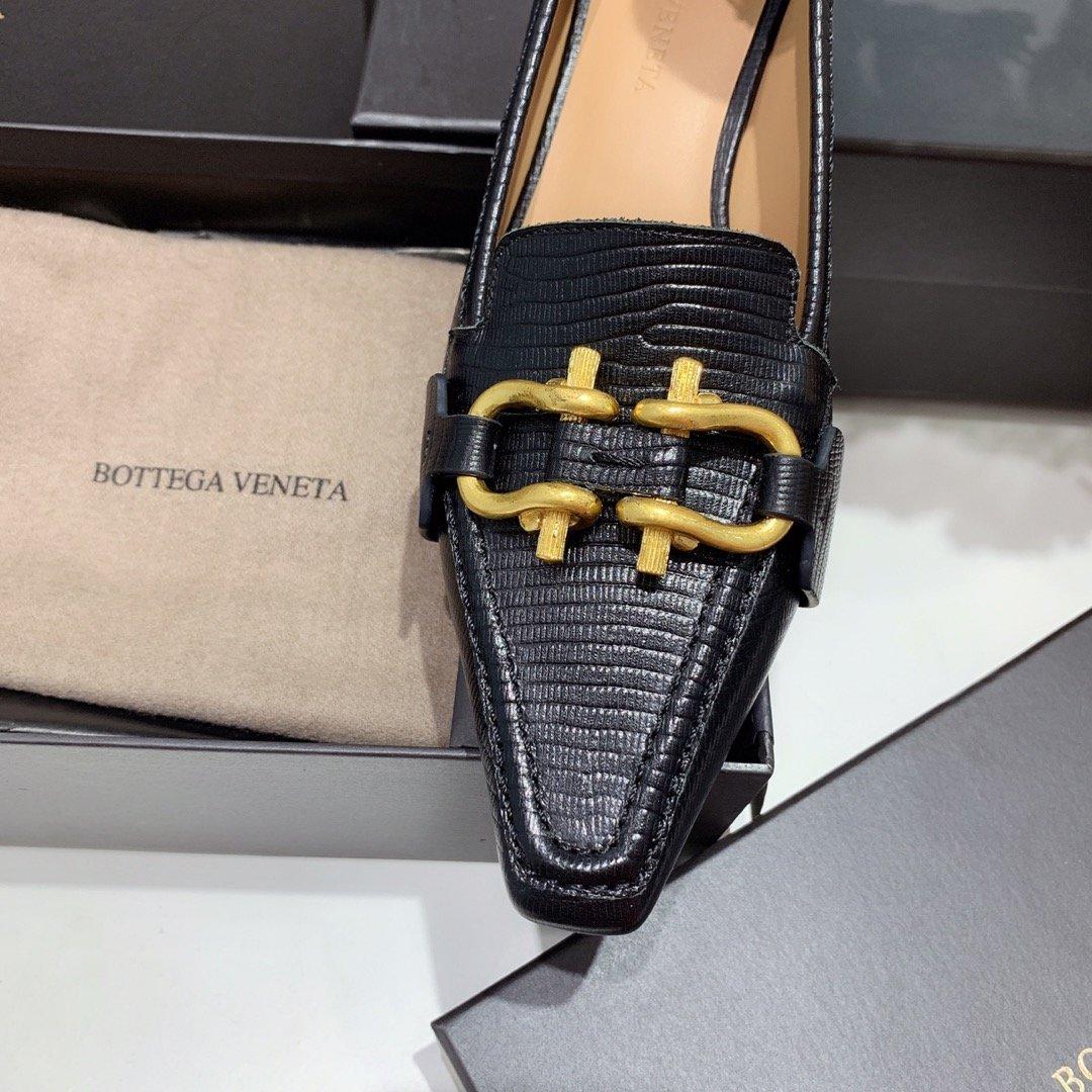 Bottega veneta 2019早秋专柜新款 原版订制进口小牛皮 /蜥蜴纹牛皮尖头鞋(图8)
