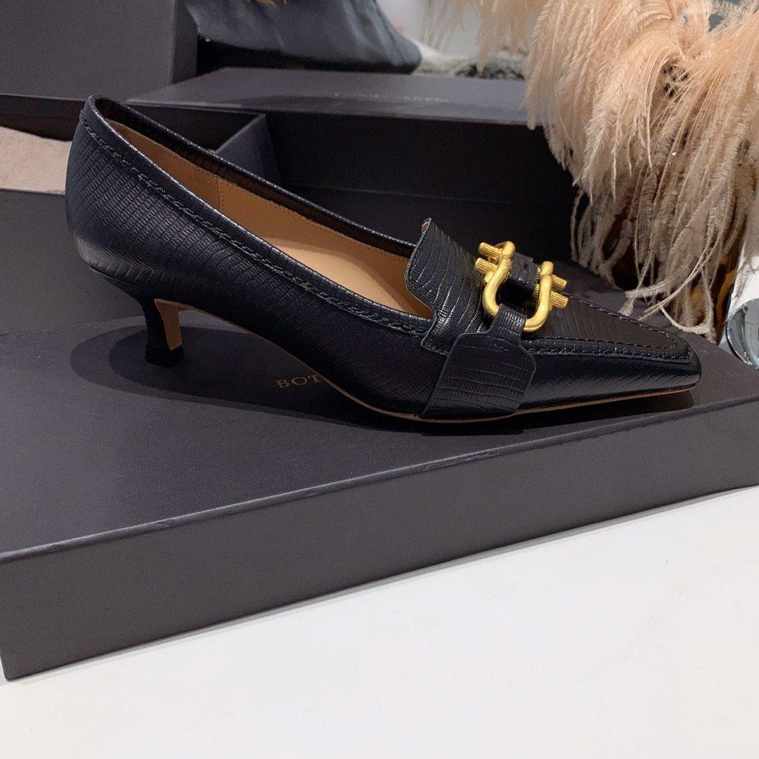 Bottega veneta 2019早秋专柜新款 原版订制进口小牛皮 /蜥蜴纹牛皮尖头鞋(图7)