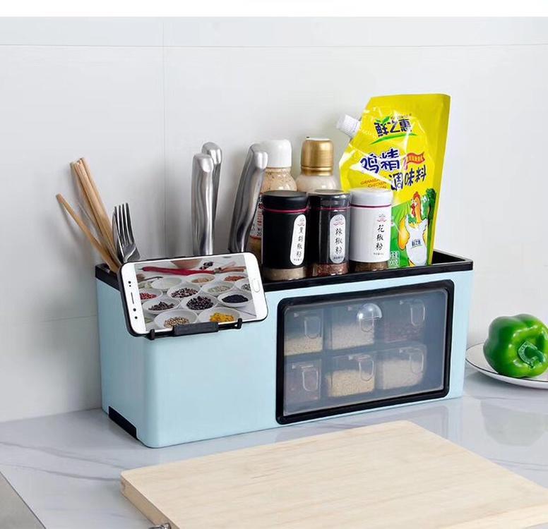 P45 功能如图下:有专门放置刀具餐具的地方,佐料放置整洁,内嵌放