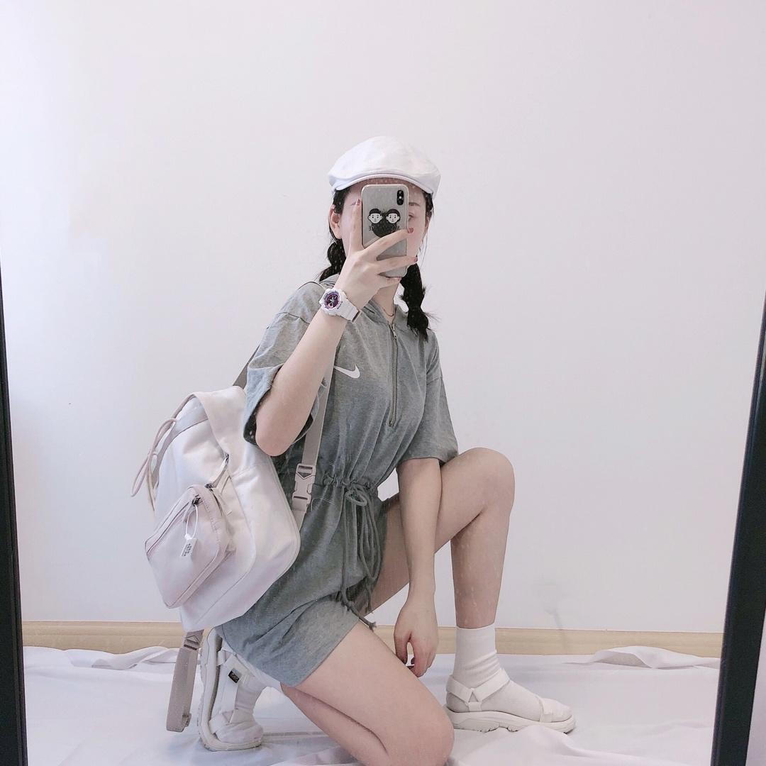 ??60 Nk运动风连体裤 连体裤款式加上胸前金属拉链设计 酷帅减龄