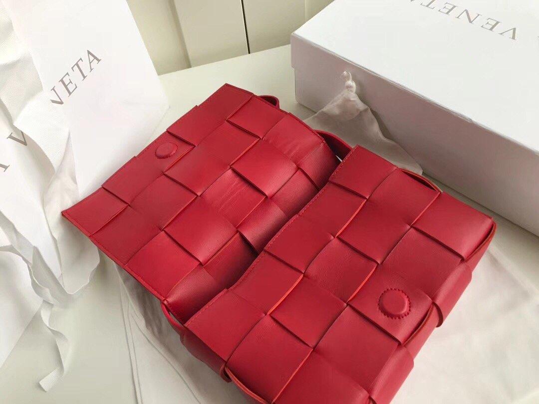 Bottega Veneta宝提嘉cassette新款编织魔方包 斜挎/手拿包 (图13)