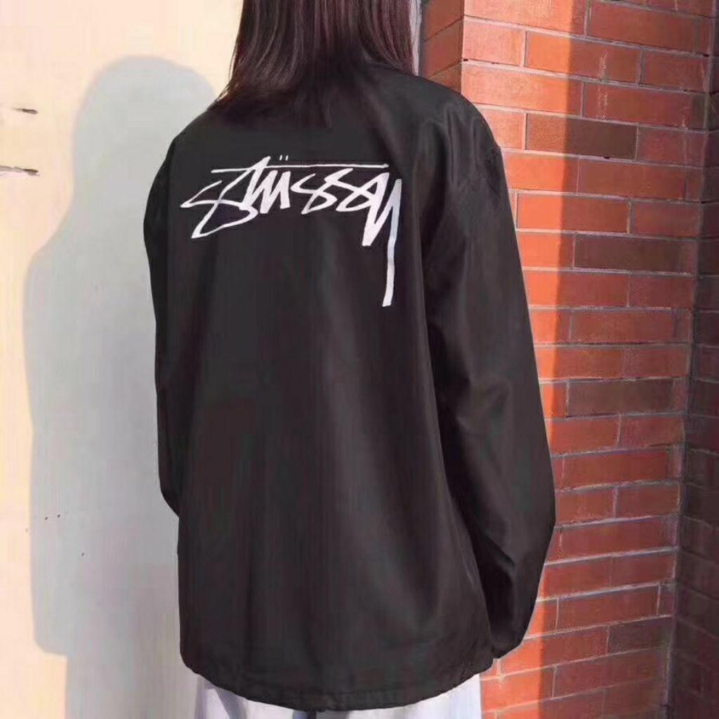 苏E💰70 Stussy斯图西薄款教练夹克外套经典潮,前面是小巧而精致