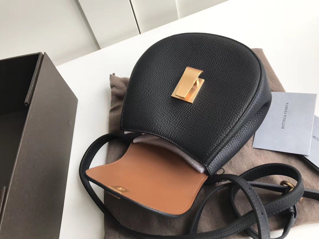 Bottega Veneta宝提嘉 安利的小腰包斜挎单肩(图5)