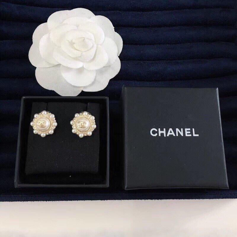 换季必备!小香Chanel珍珠耳钉长