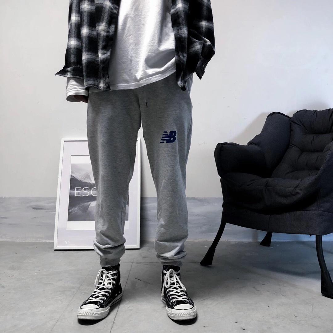 ??55!爆款ins简约款nb男女两色休闲收脚裤 今年最流行的简约百搭