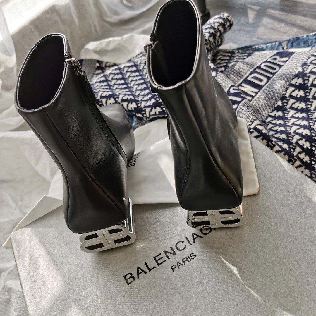 Balenciaga最新秋冬金属lo