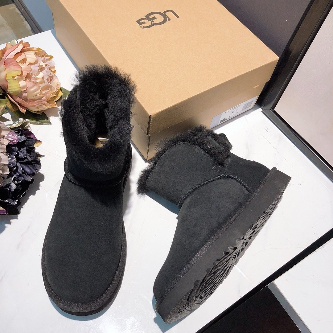 UGG新款女士侧面羊毛扣低筒雪地靴原
