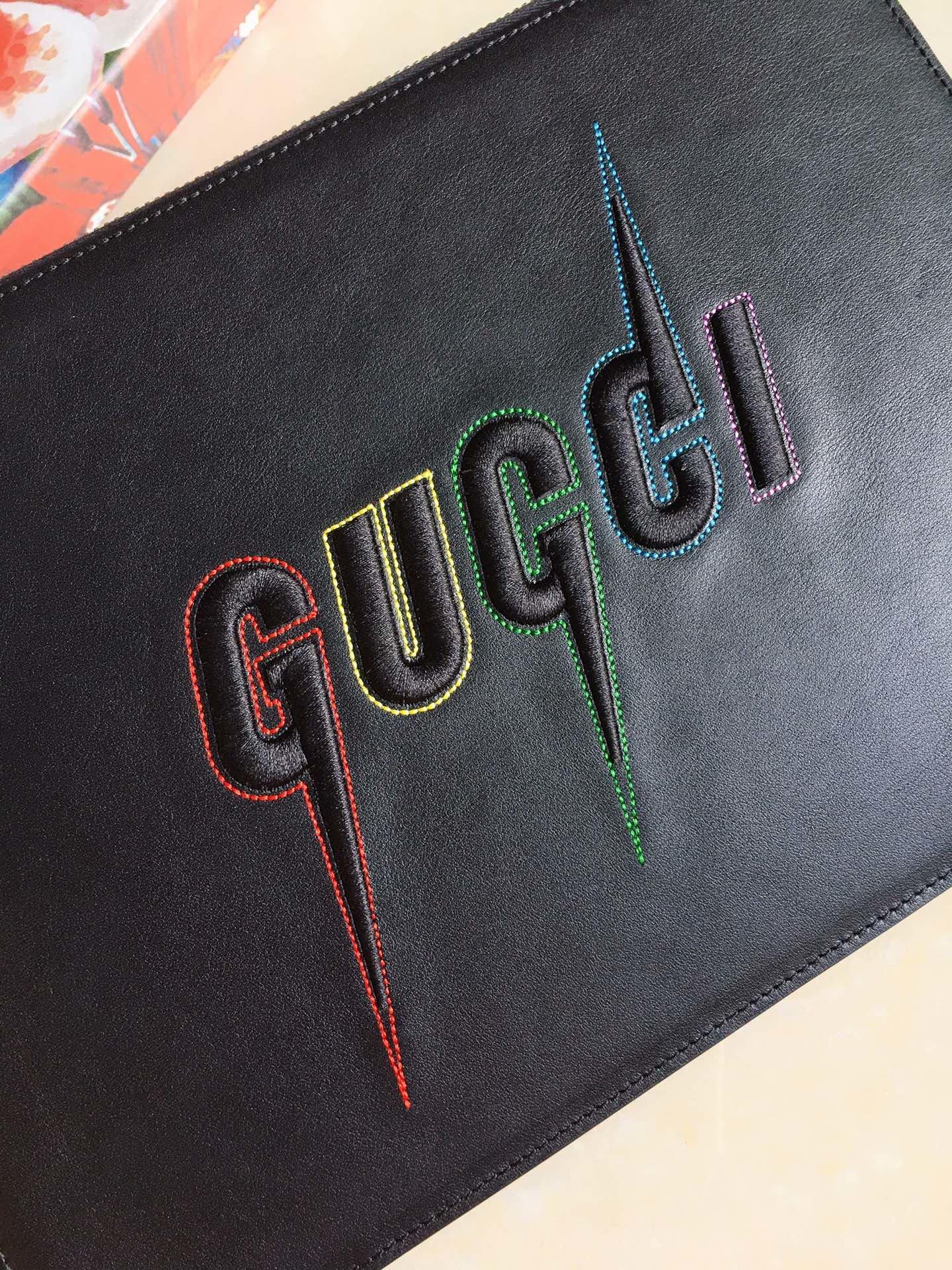 Gucci官网同步更新最新款 光面牛皮手拿包 摩登刺绣(图3)
