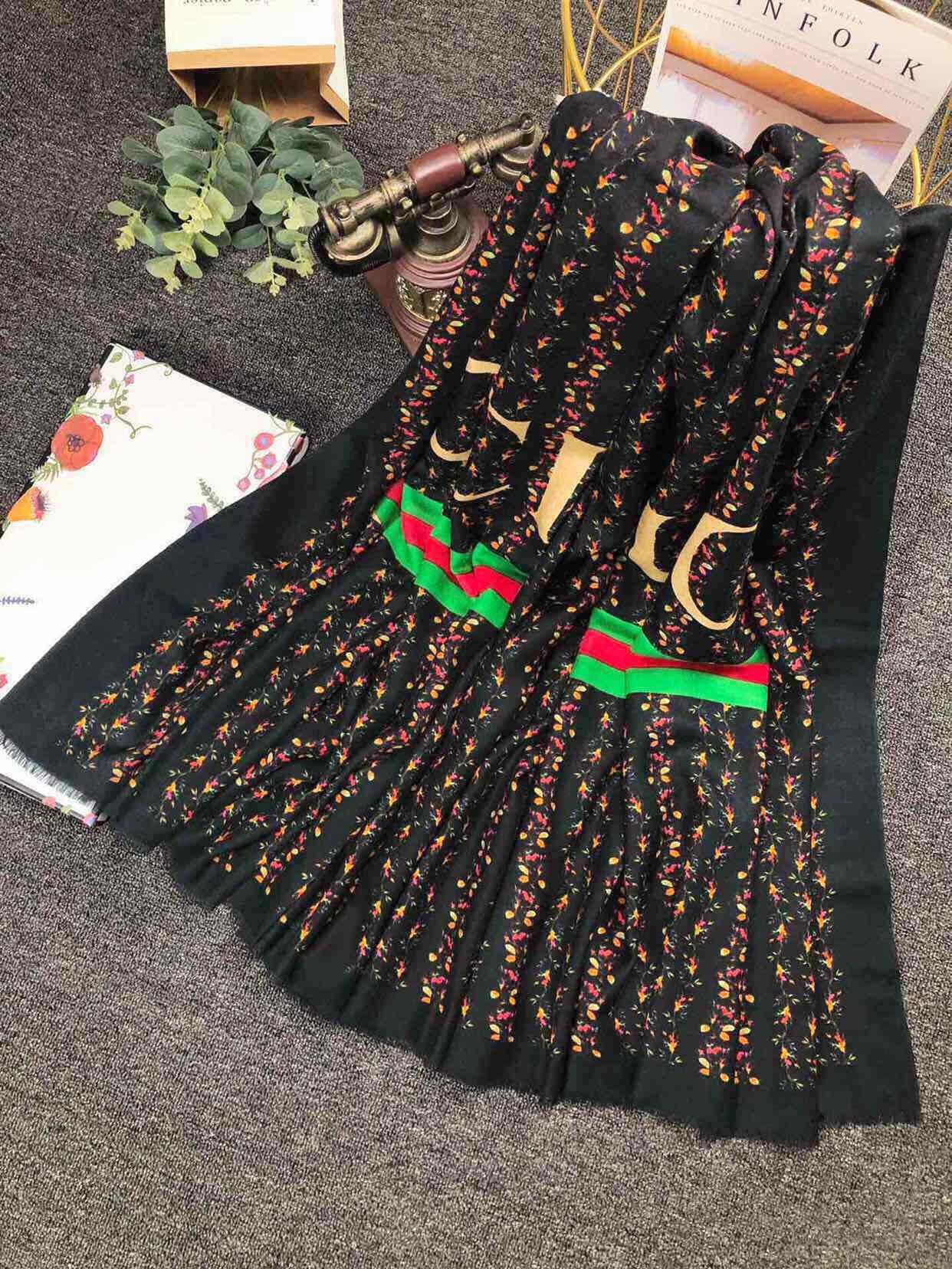Gucci2019专柜最新款羊绒长巾
