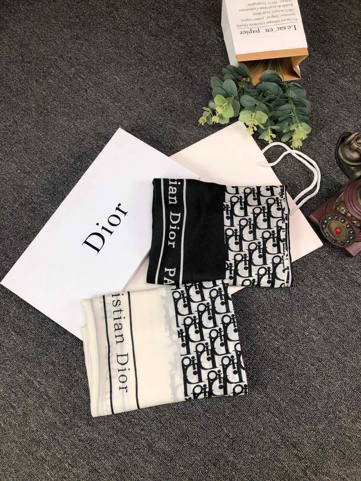 Dior最新款专柜同步此款经典不老传