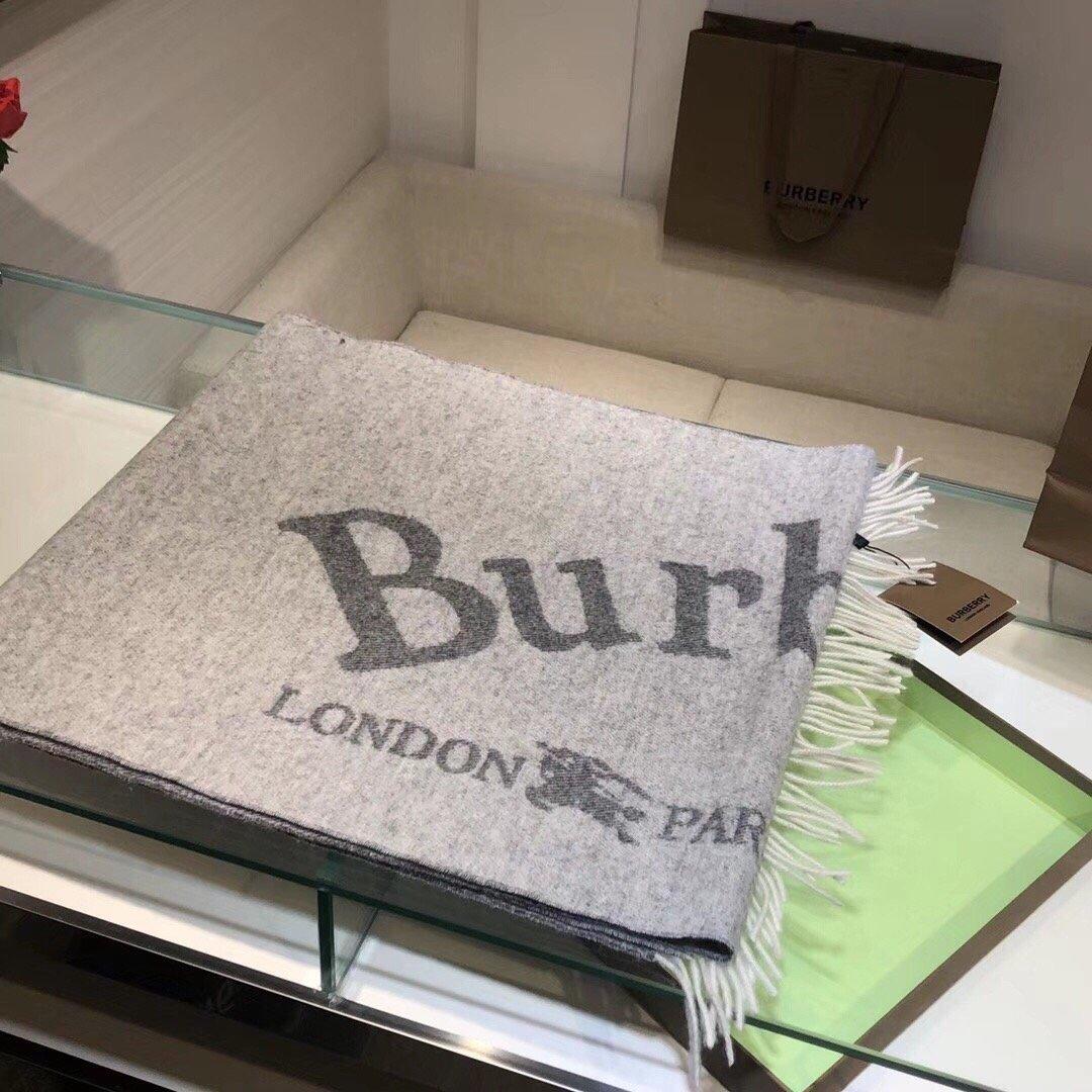 Burberry新款简约高雅很有知性