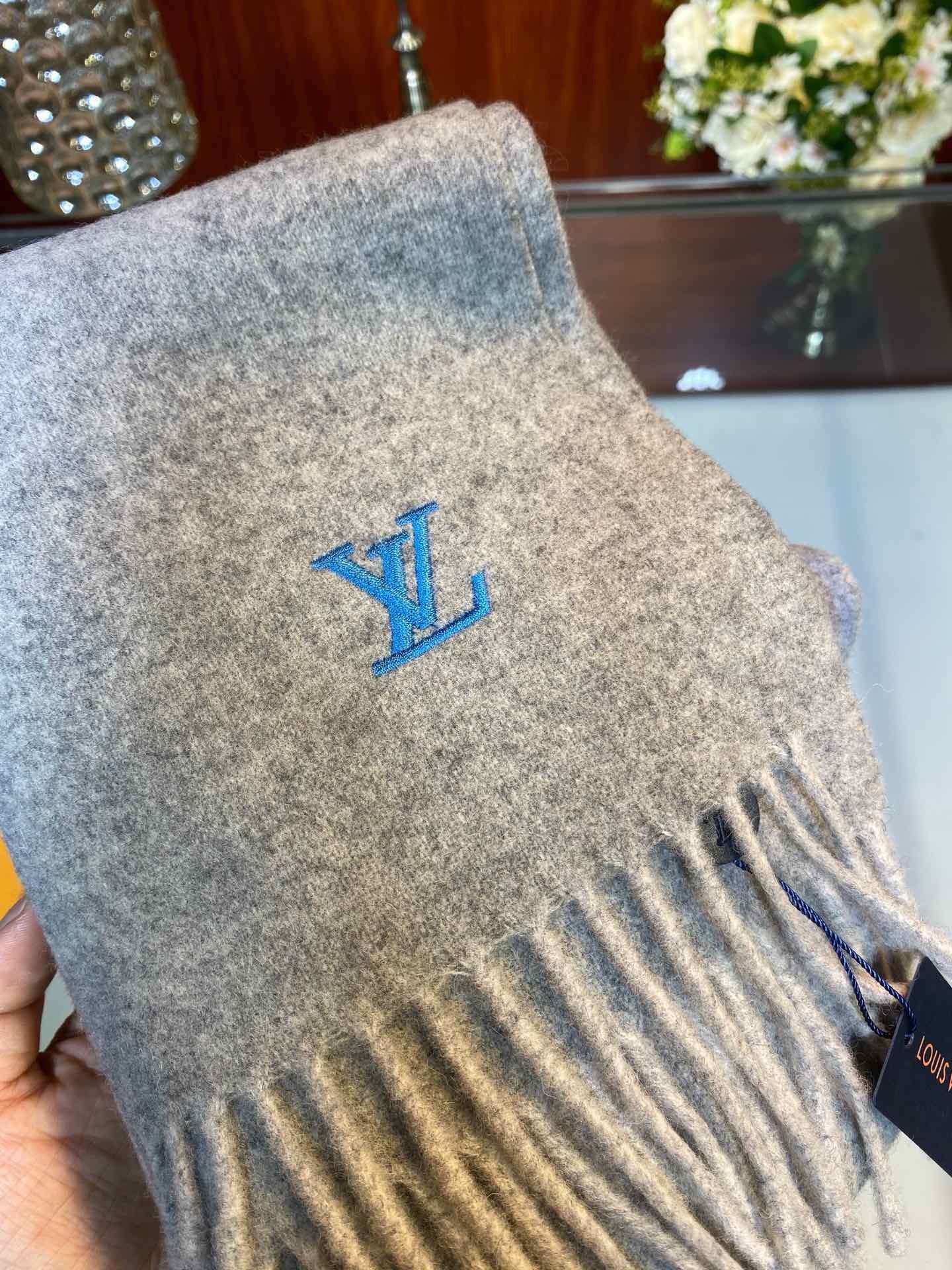 LV非常正的男士围巾面料大爱非常柔软