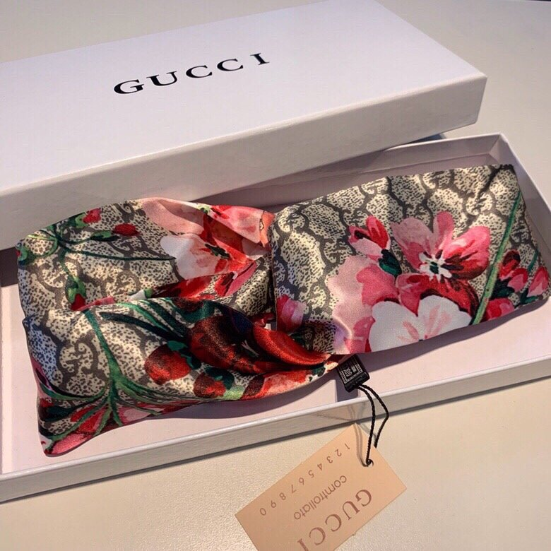 Gucci古奇常青绸缎交叉款中间红花