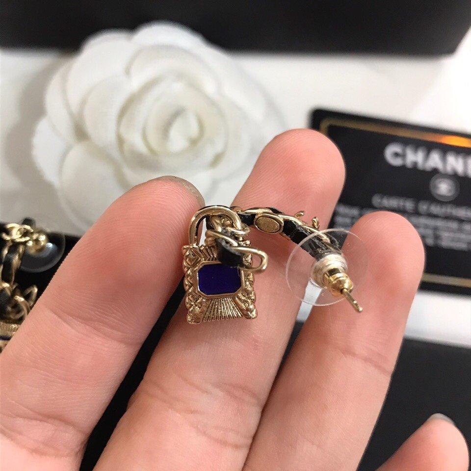 Chanel香奈儿新款小香耳钉时髦配
