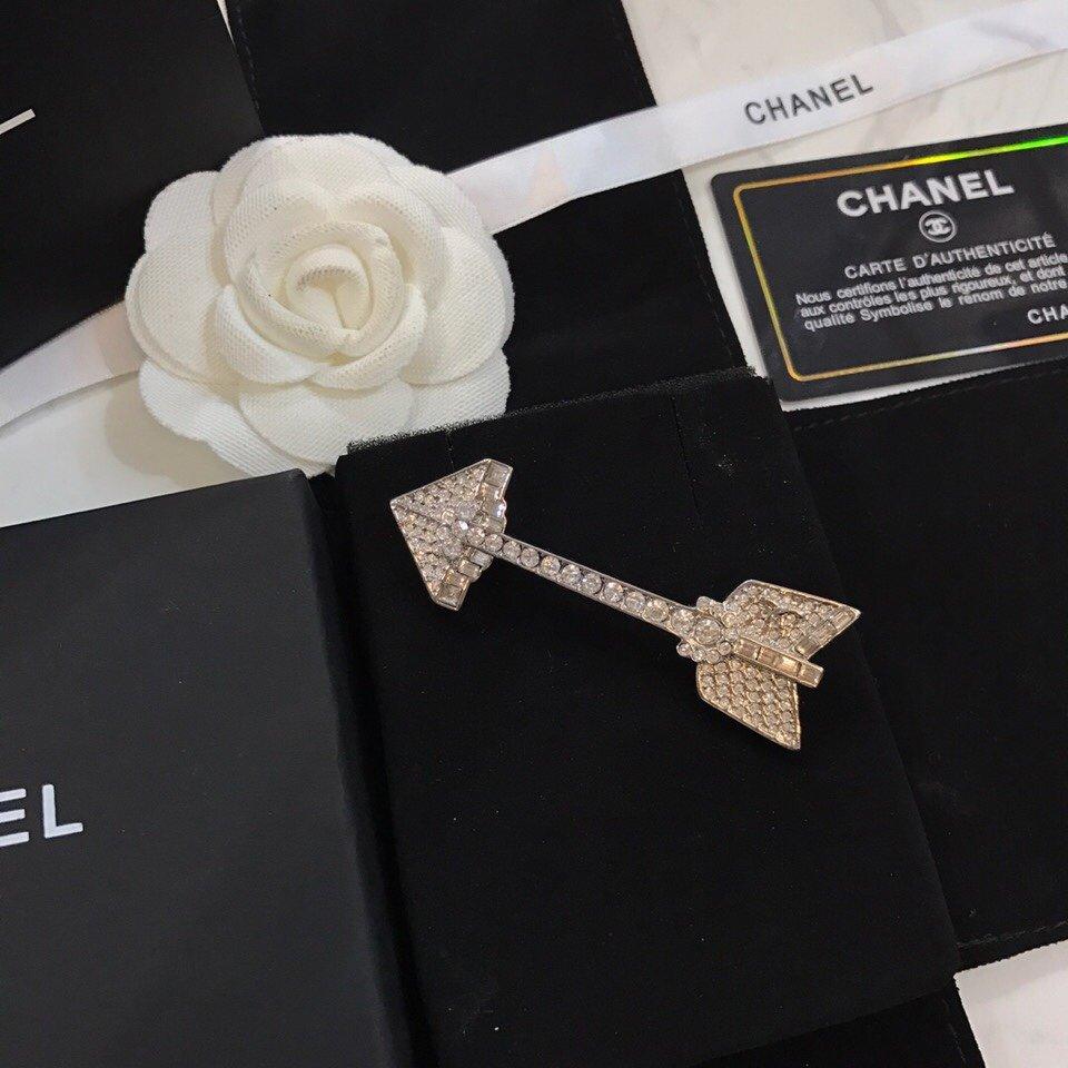 Chanel香奈儿早春新款王源同款胸