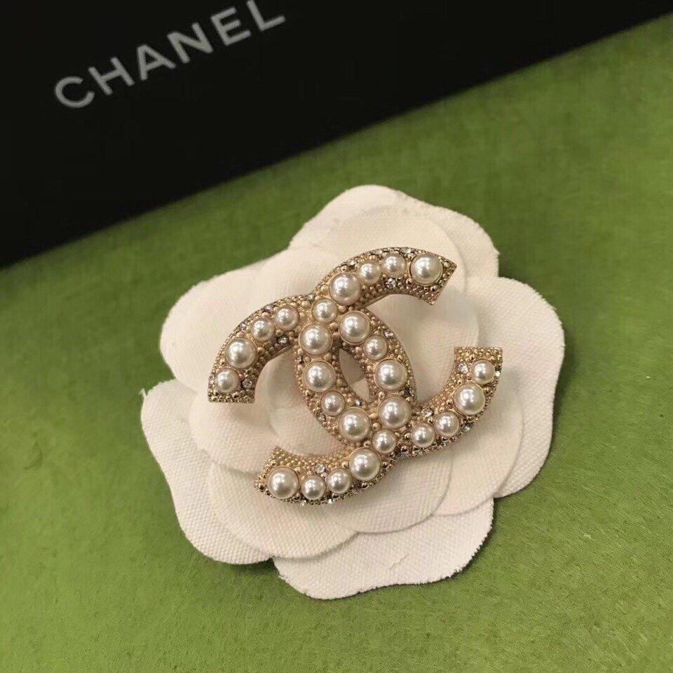 小香米珠胸针!施华洛珍珠正品黄铜材质