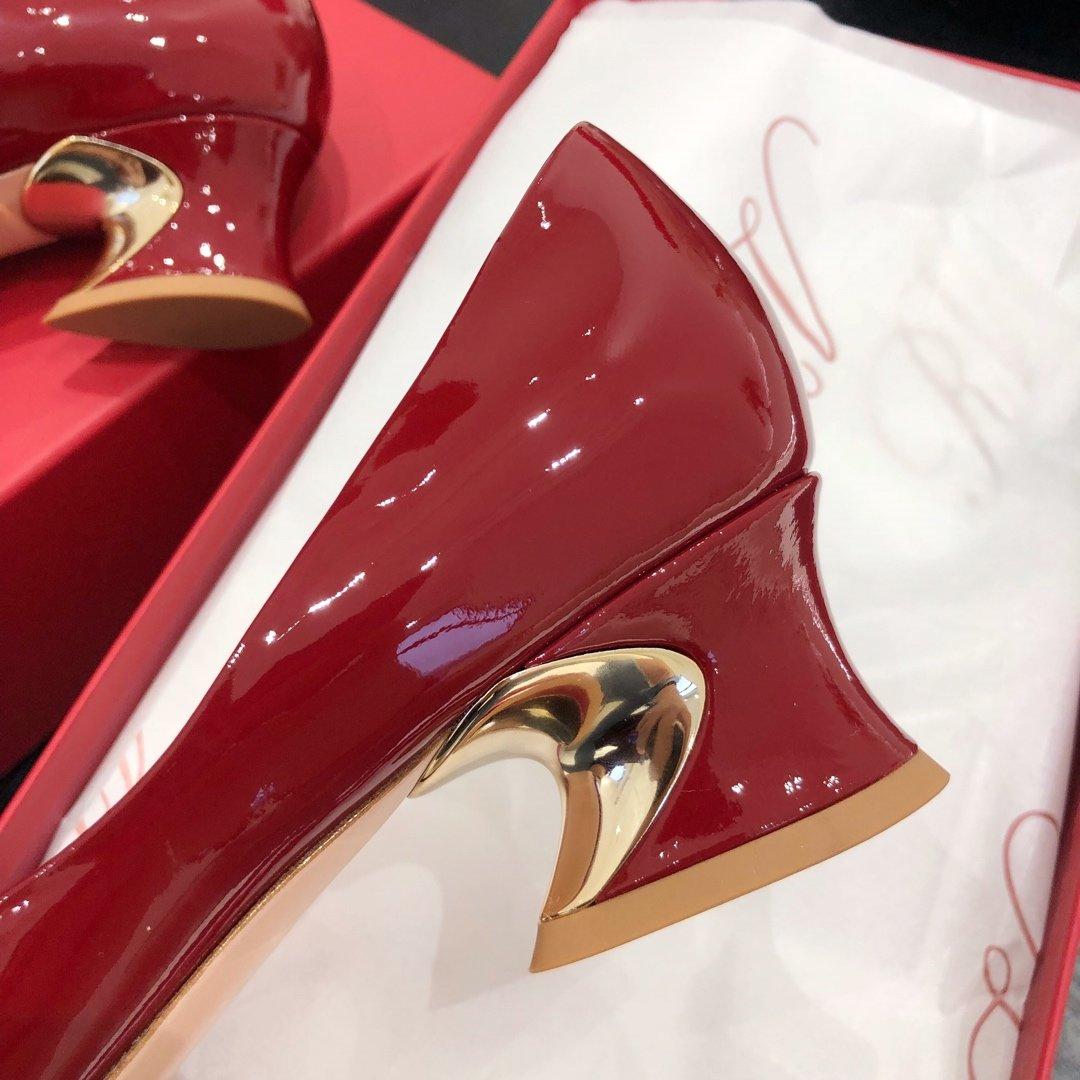 ROGER VIVIER  RV专柜新款Eye Buckle饰扣系列高跟鞋(图7)