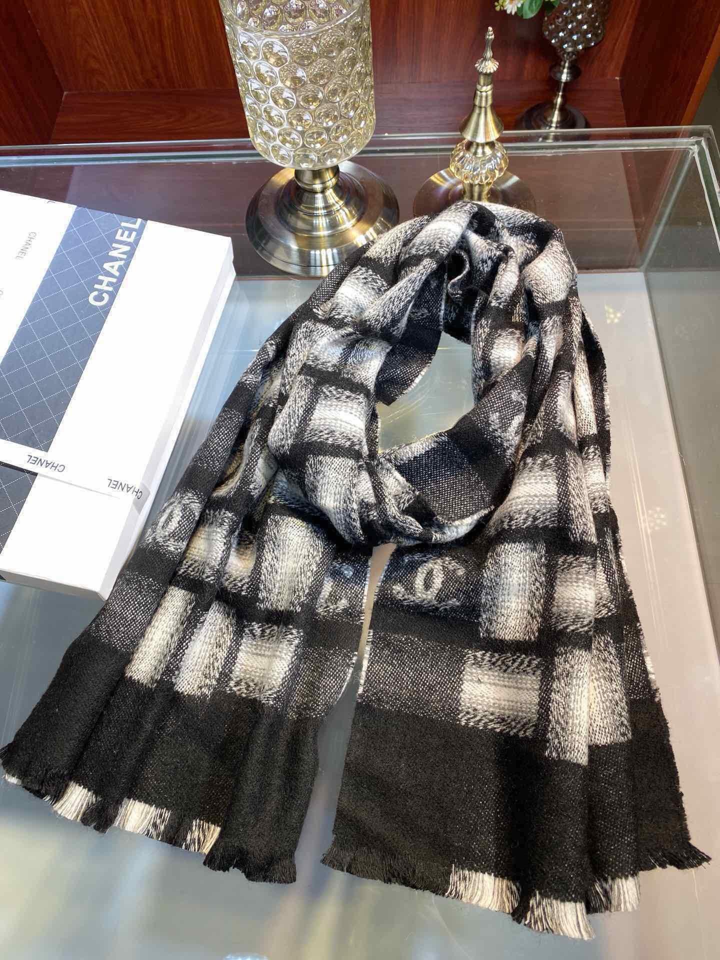 年秋冬新款小香经典黑白格子围巾超流行