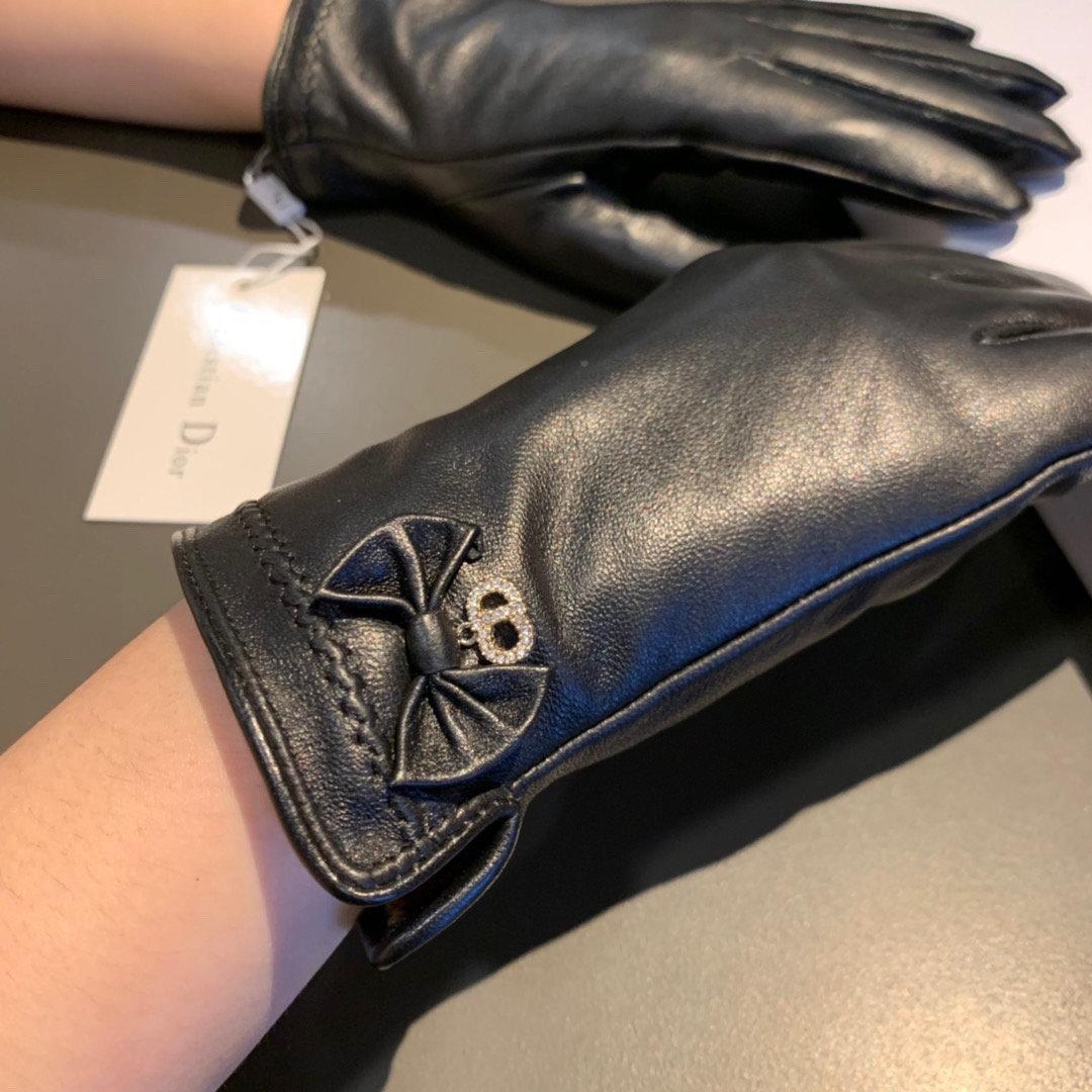 配包装新款独家首发触屏手套Dior迪