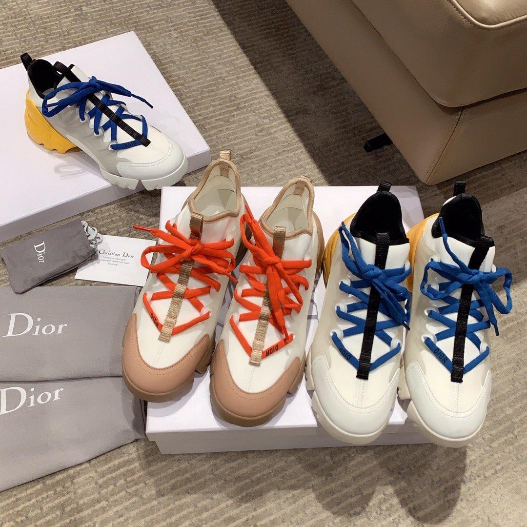 Dior超级火爆的老爹鞋明星同款(图1)