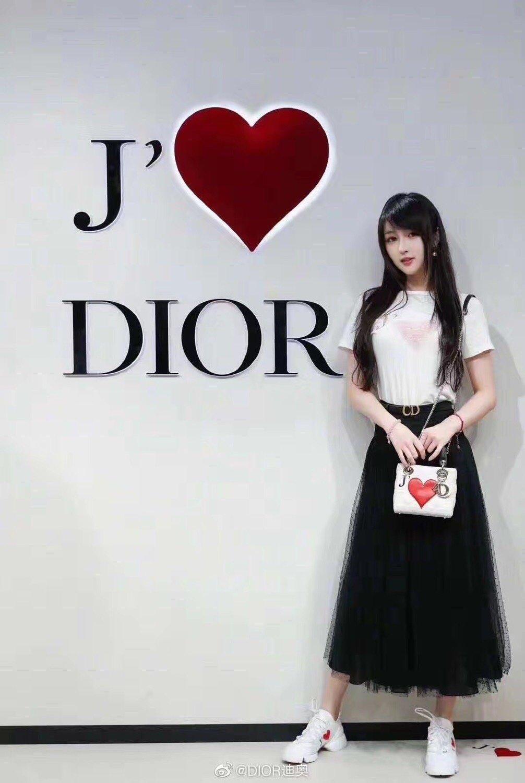 Dior专柜同款 超级火爆的老爹鞋(图2)
