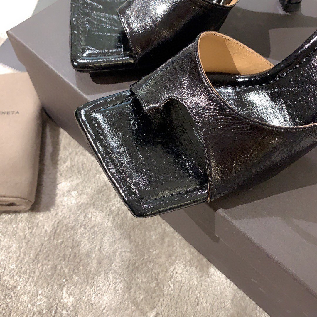 Bottega veneta2020早春新款羊皱漆女鞋(图8)