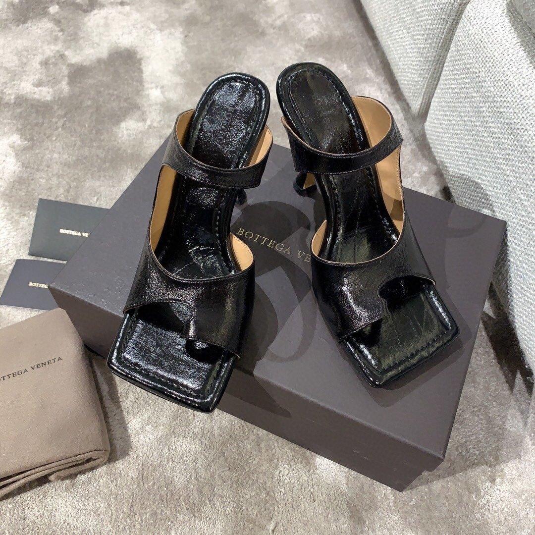 Bottega veneta2020早春新款羊皱漆女鞋(图3)