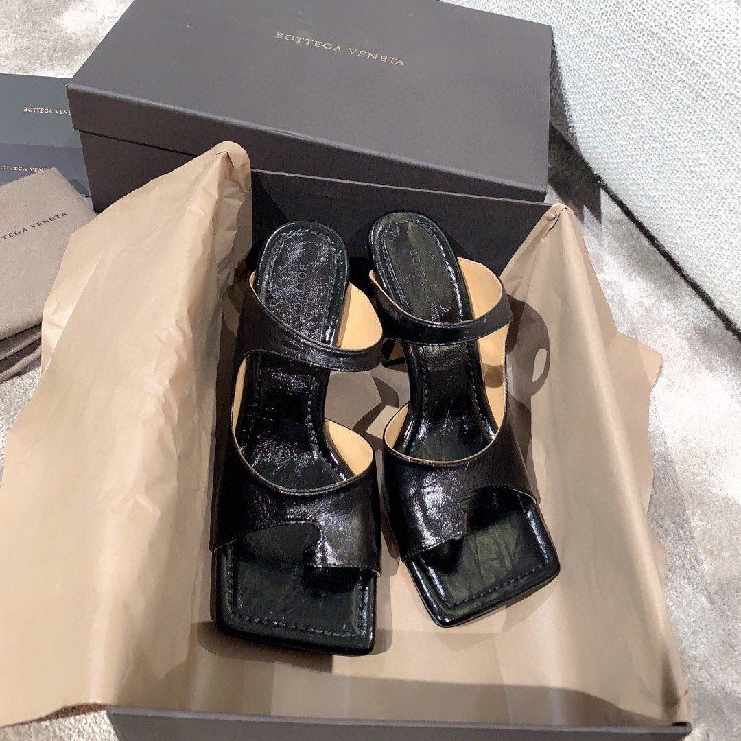 Bottega veneta2020早春新款羊皱漆女鞋(图7)
