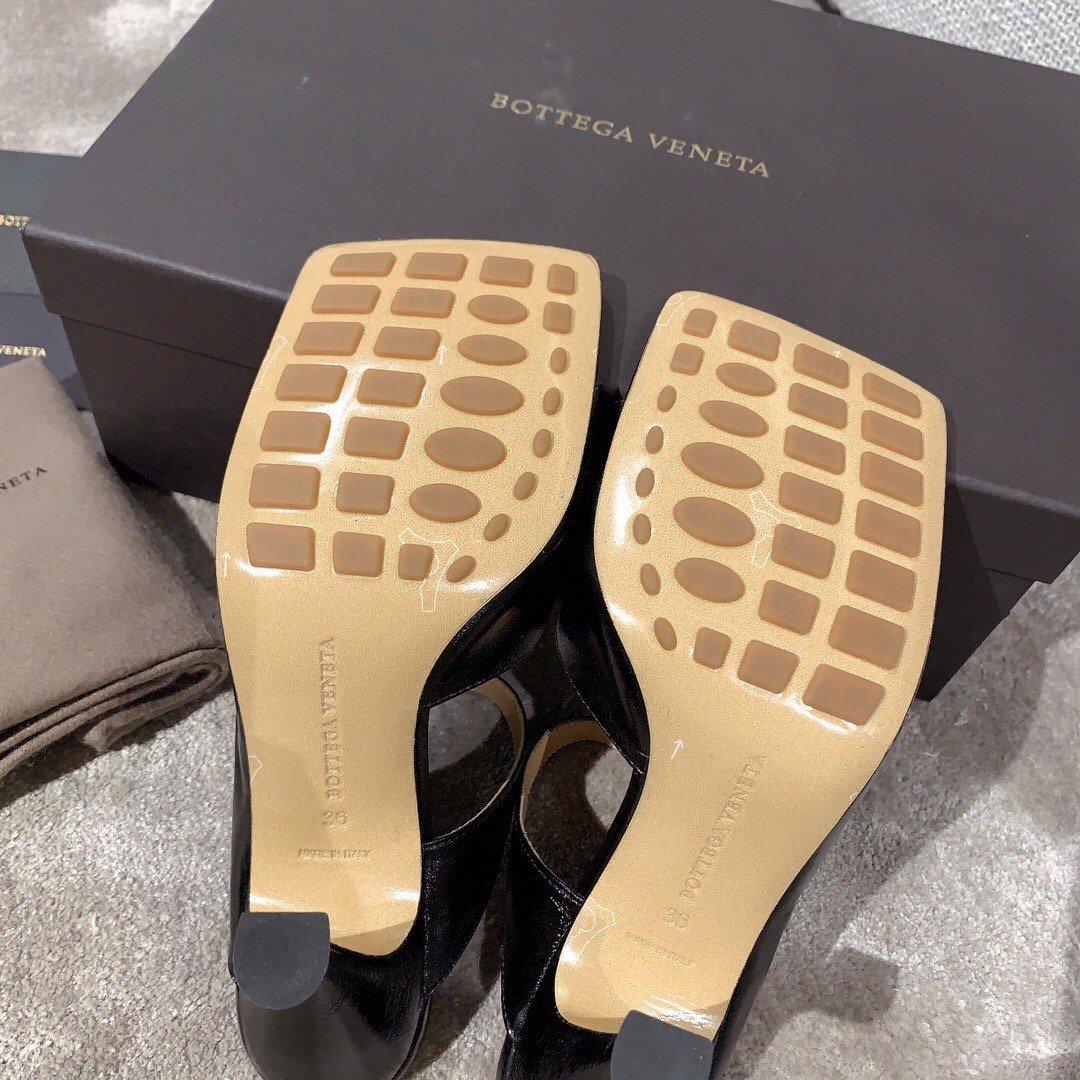 Bottega veneta2020早春新款羊皱漆女鞋(图9)
