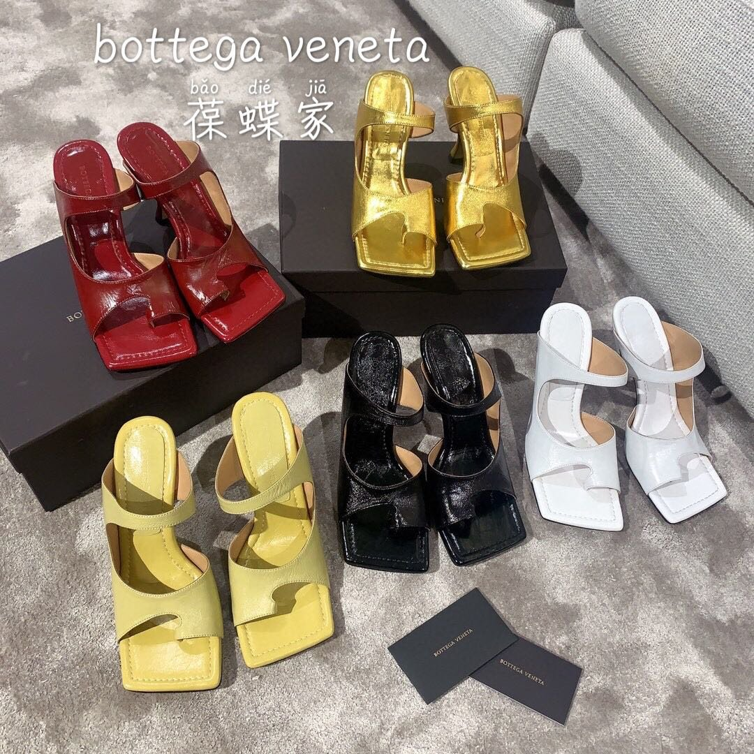Bottega veneta2020早春新款羊皱漆女鞋(图1)