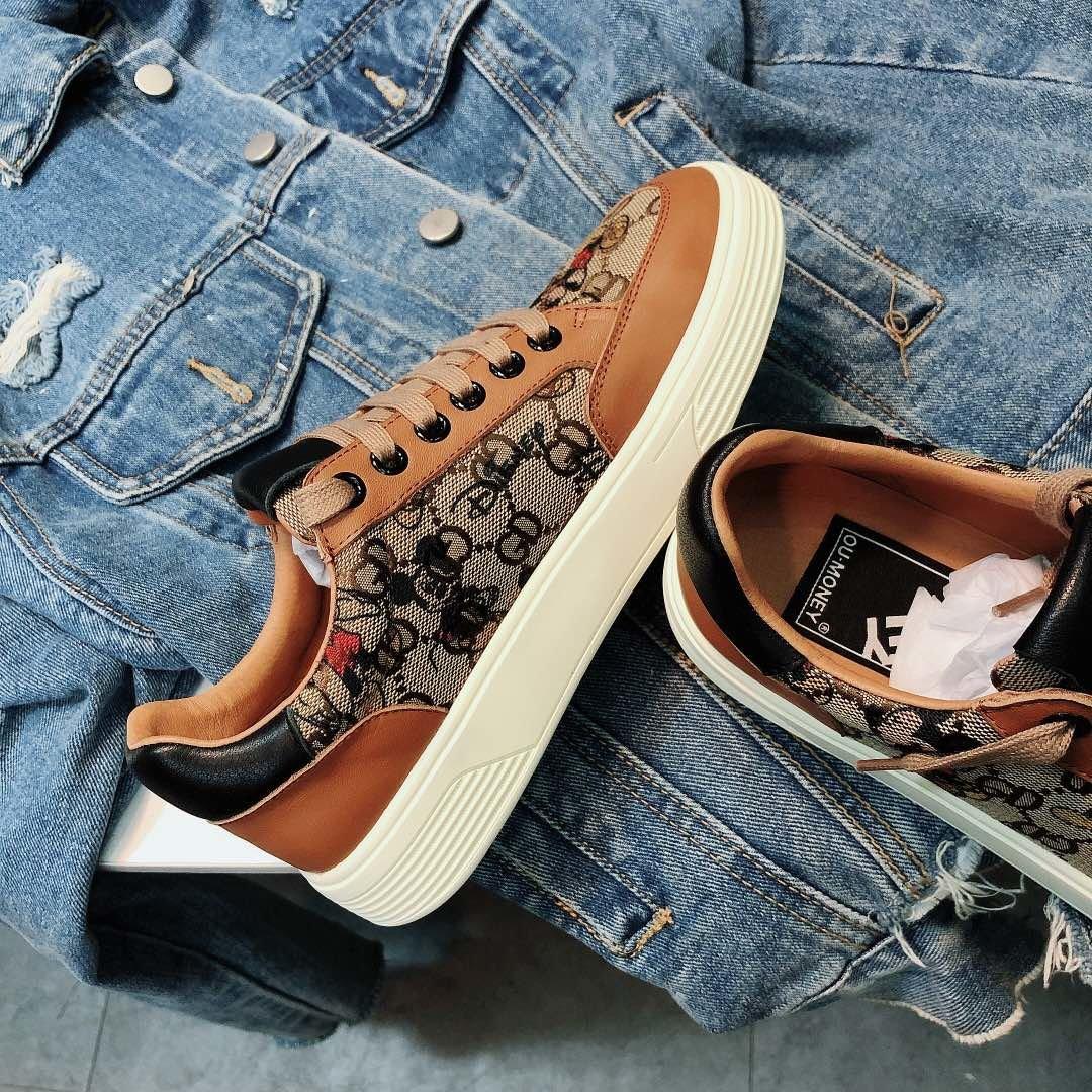 古奇Cucci经典棕色米奇板鞋(图3)