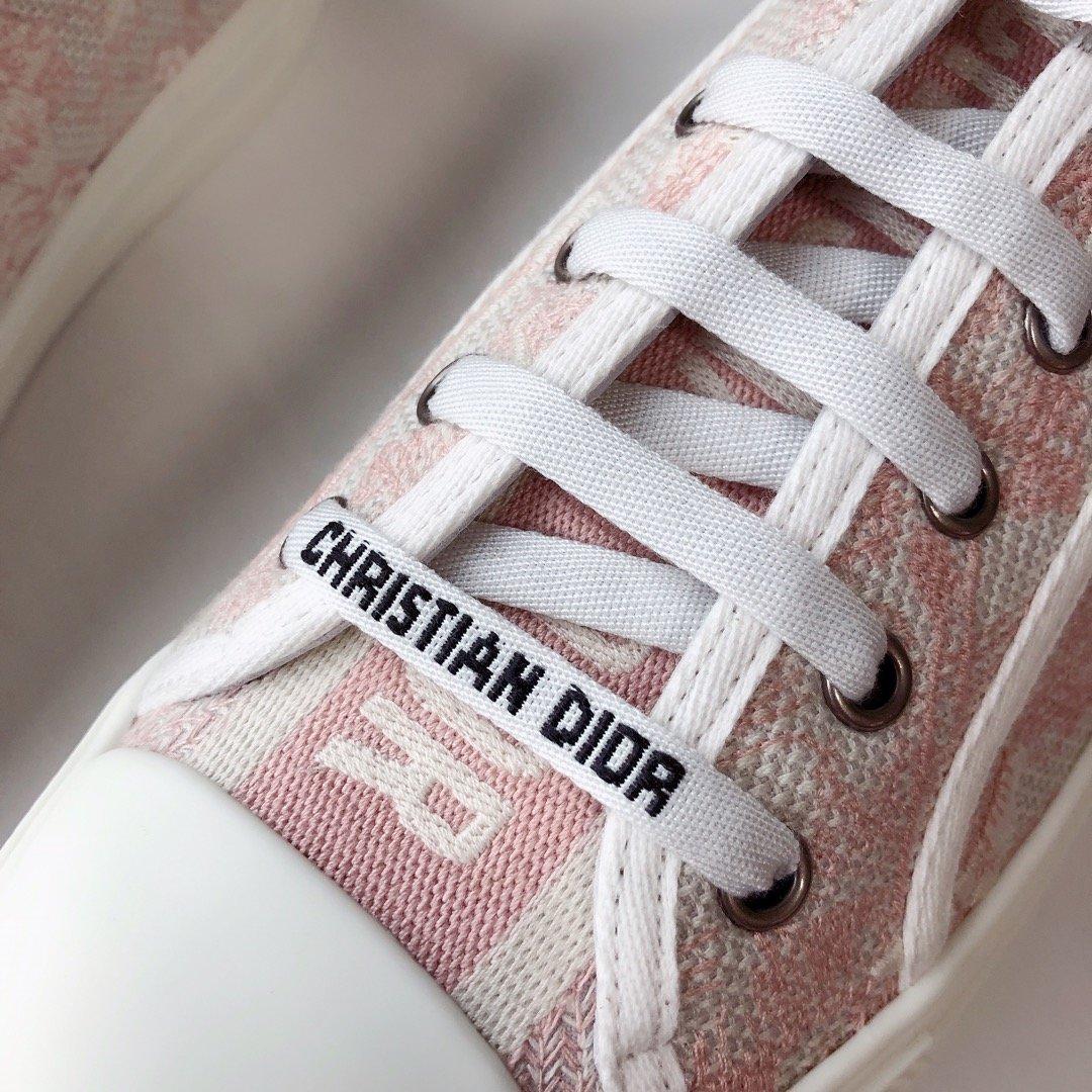DIOR 2020 秀款板鞋 棉质TOILE DE JOUY 刺绣 WALKNDIOR 运动鞋(图11)