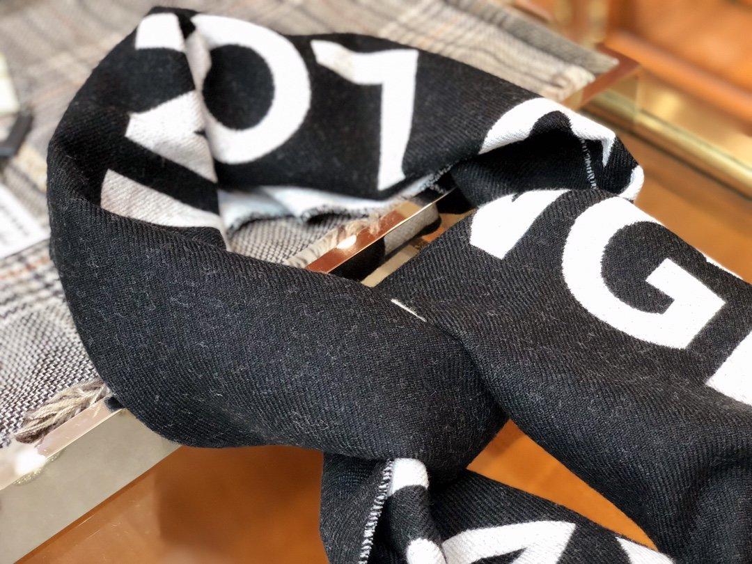 2020新款Burberry足球风羊毛围巾(图6)