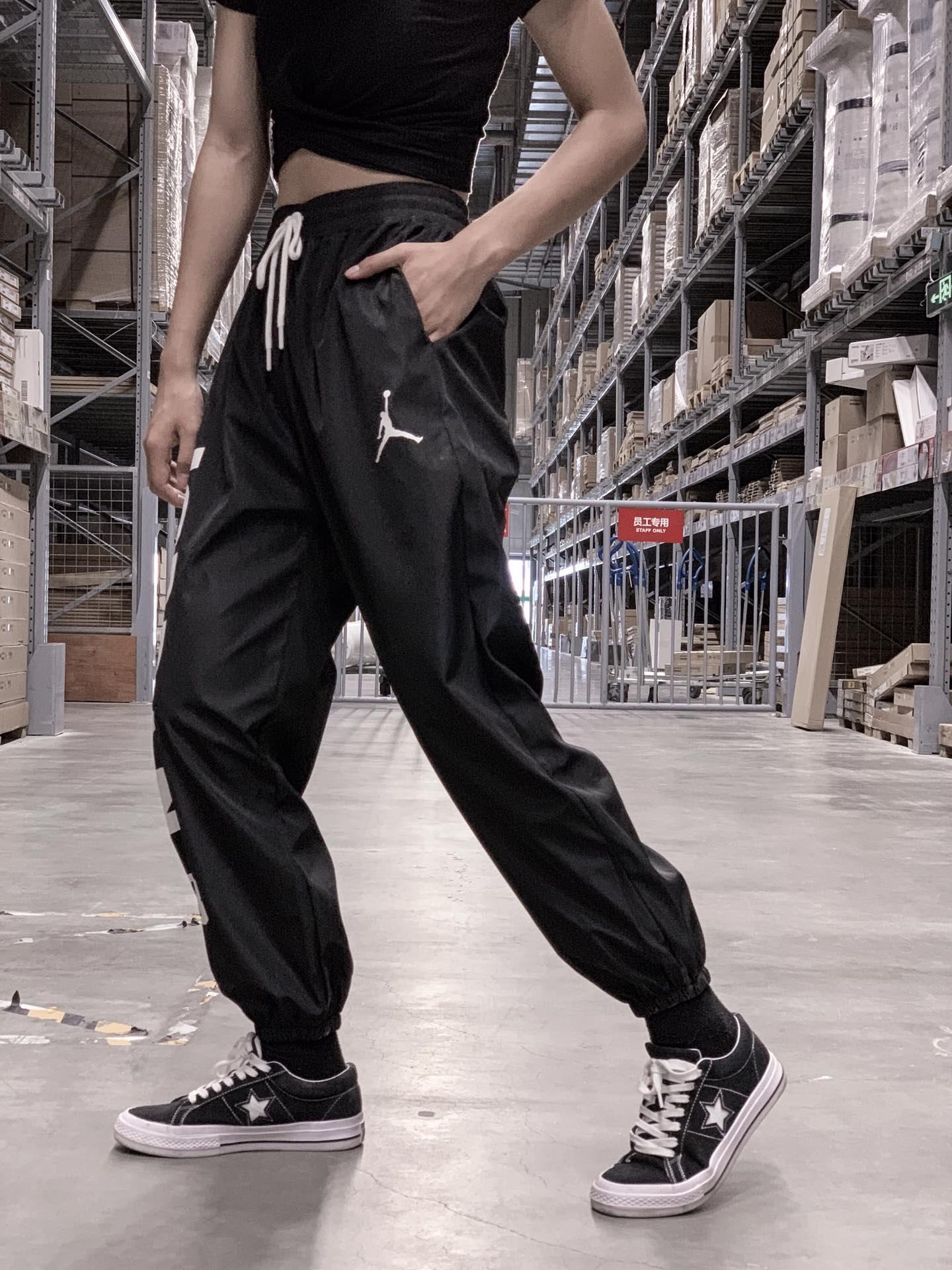 ??70    Air Jordan/乔丹23 复古运动裤,情侣款束脚裤  法国纳米