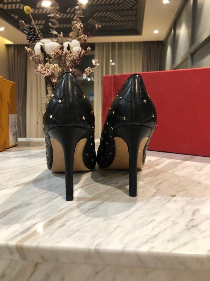 valentino原单铆钉高跟鞋特殊