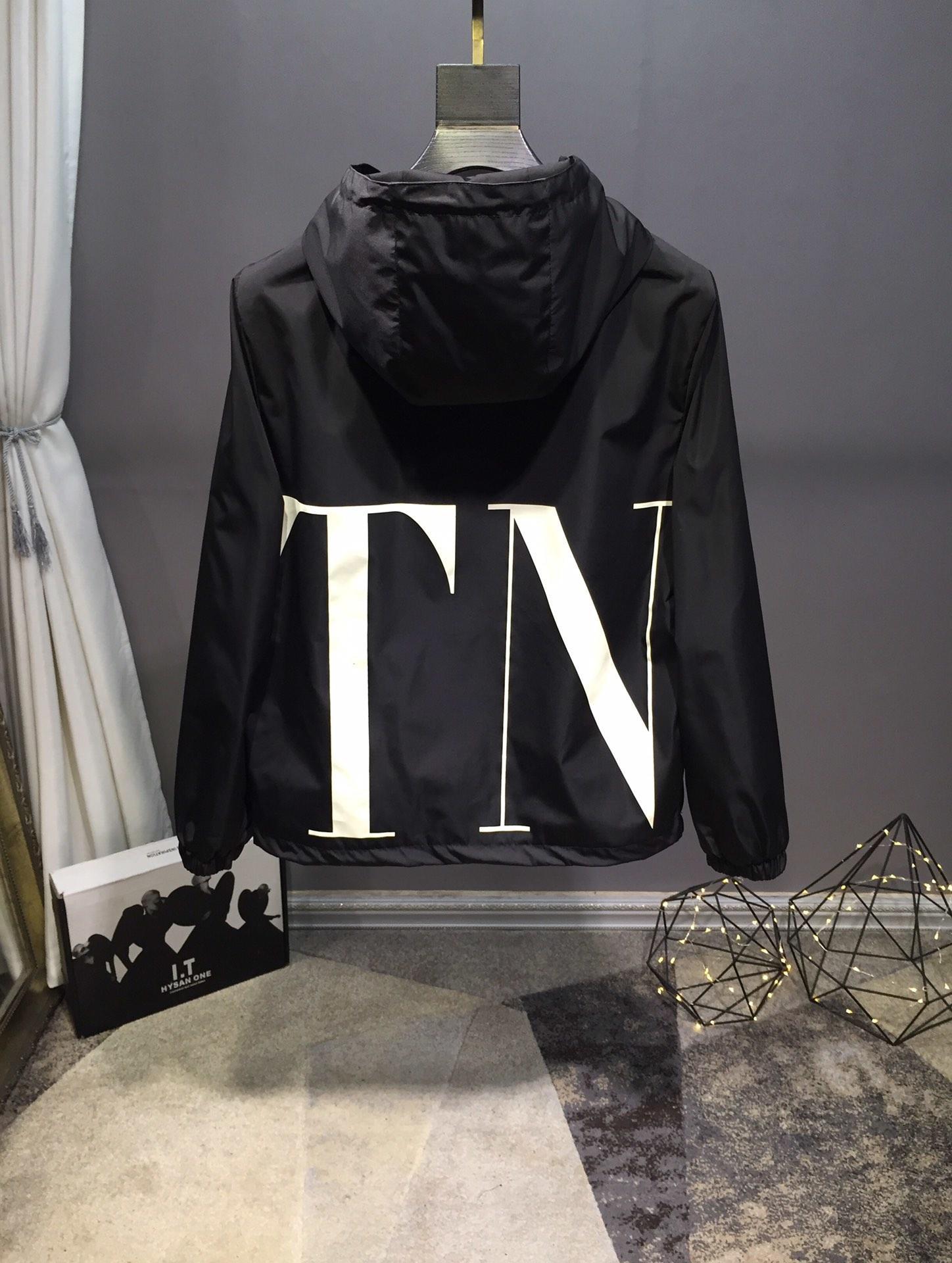 MONC#LE&XVALE#NTIN