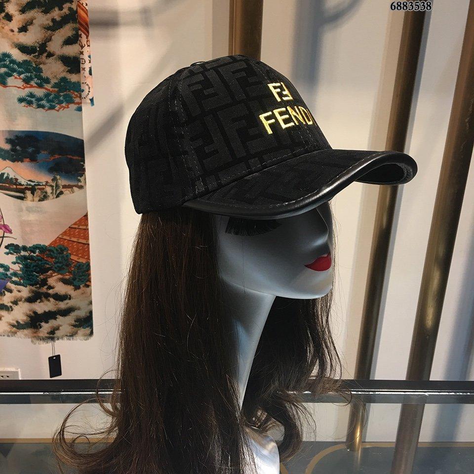 芬迪FENDI官网最新刺绣棒球帽金线