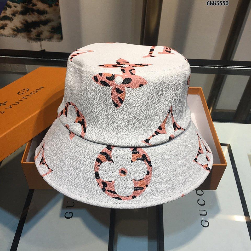 LV专柜新款渔夫帽专柜同步出行超百搭